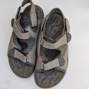 5/$25 Columbia Interchange Sandals size 7 women